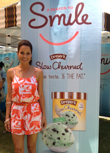 Brooke Burke, a Smile Ambassador for Operation Smile